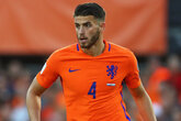 Hoedt helps Dutch to vital win