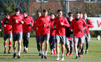 SOUTHAMPTON, ENGLAND - FEBRUARY 15: players warm up during a Southampton FC training session at the Staplewood Canpus on February 15, 2018 in Southampton, England. (Photo by Matt Watson/Southampton FC via Getty Images)