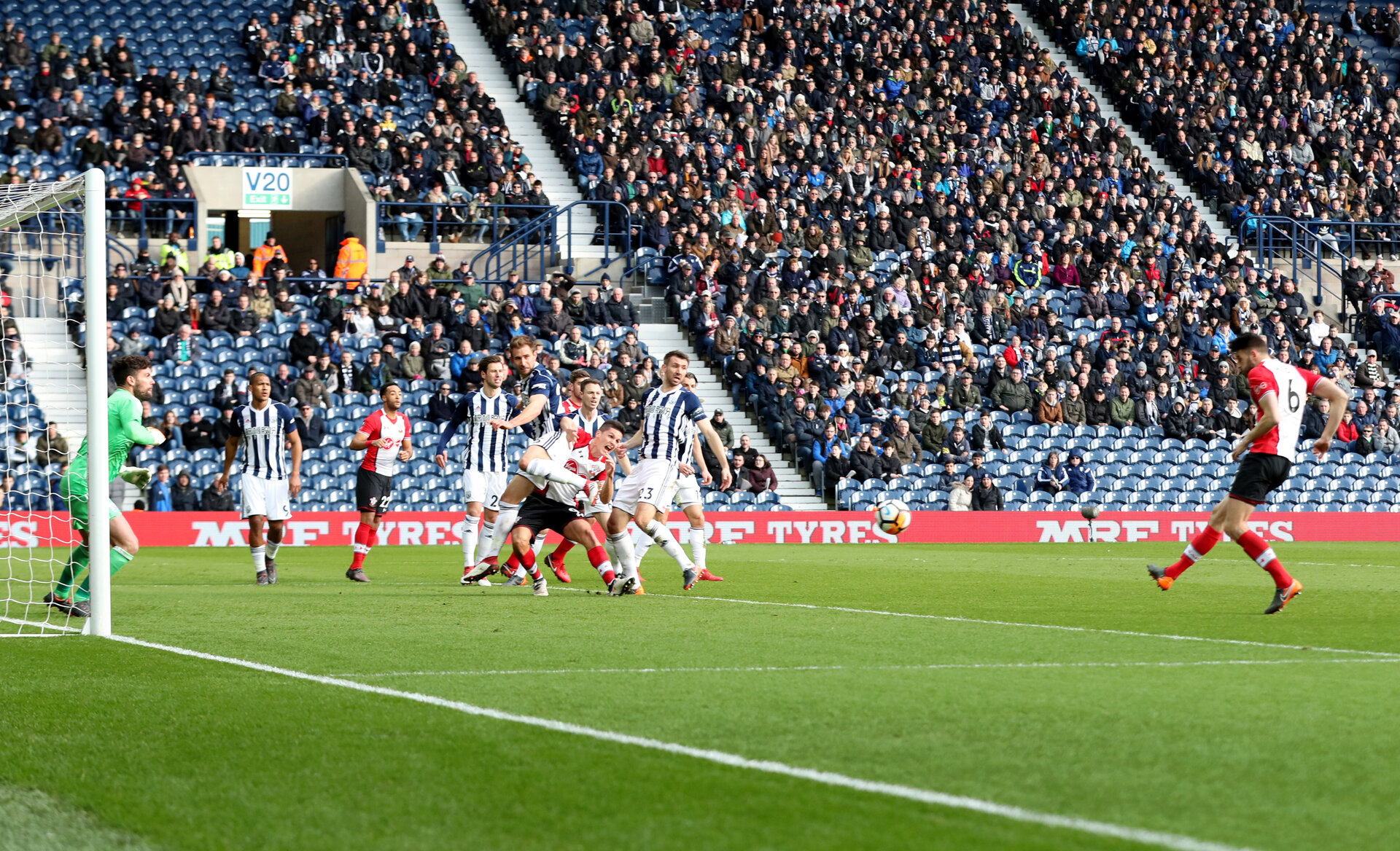 WEST BROMWICH, ENGLAND - FEBRUARY 17: Wesley Hoedt(R) of Southampton opens the scoring during the Emirates FA Cup fifth round match between West Bromwich Albion and Southampton at The Hawthorns on February 17, 2018 in West Bromwich, England. (Photo by Matt Watson/Southampton FC via Getty Images)
