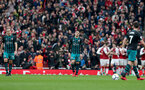 LONDON, ENGLAND - APRIL 08: dejected players of Southampton during the Premier League match between Arsenal and Southampton at Emirates Stadium on April 8, 2018 in London, England. (Photo by Matt Watson/Southampton FC via Getty Images)