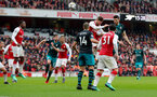 LONDON, ENGLAND - APRIL 08: Wesley Hoedt(R) of Southampton heads at goal during the Premier League match between Arsenal and Southampton at Emirates Stadium on April 8, 2018 in London, England. (Photo by Matt Watson/Southampton FC via Getty Images)