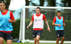 SOUTHAMPTON, ENGLAND - JULY 17: Pierre-Emile H¿jbjerg (middle) during a Southampton FC training session at Staplewood Complex on July 17, 2018 in Southampton, England. (Photo by James Bridle - Southampton FC/Southampton FC via Getty Images) SOUTHAMPTON, ENGLAND - JULY 17: Pierre-Emile Højbjerg (middle) during a Southampton FC training session at Staplewood Complex on July 17, 2018 in Southampton, England. (Photo by James Bridle - Southampton FC/Southampton FC via Getty Images)