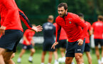 SOUTHAMPTON, ENGLAND - JULY 30: Charlie Austin (right) during a Southampton FC training sessions at Staplewood Complex on July 30, 2018 in Southampton, England. (Photo by James Bridle - Southampton FC/Southampton FC via Getty Images)