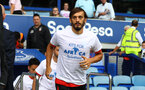 LIVERPOOL, ENGLAND - AUGUST 18: Manolo Gabbiadini of Southampton warms up ahead of the Premier League match between Everton FC and Southampton FC at Goodison Park on August 18, 2018 in Liverpool, United Kingdom. (Photo by Matt Watson/Southampton FC via Getty Images)