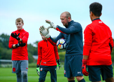 Apply for our Academy goalkeeping session