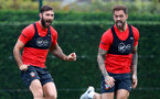 SOUTHAMPTON, ENGLAND - OCTOBER 11: Charlie Austin(L) and Danny Ings during a Southampton FC training session at the Staplewood Campus on October 11, 2018 in Southampton, England. (Photo by Matt Watson/Southampton FC via Getty Images)