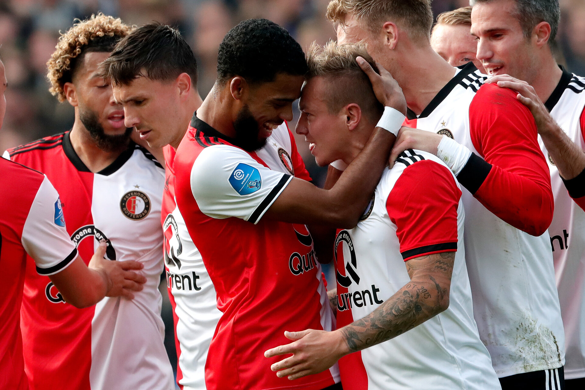 ROTTERDAM, NETHERLANDS - OCTOBER 21: Jordy Clasie of Feyenoord celebrates 1-0 with Calvin Verdonk of Feyenoord, Tonny Vilhena of Feyenoord, Jeremiah St Juste of Feyenoord, Sam Larsson of Feyenoord, Nicolai Jorgensen of Feyenoord, Robin van Persie of Feyenoord  during the Dutch Eredivisie  match between Feyenoord v PEC Zwolle at the Stadium Feijenoord on October 21, 2018 in Rotterdam Netherlands (Photo by Soccrates/Getty Images)