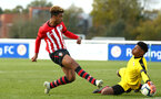 READING, ENGLAND - NOVEMBER 03: Enzo Robise (left) during the under 18s Premier league match between Reading FC and Southampton FC, 2018 in Reading, England. (Photo by James Bridle - Southampton FC/Southampton FC via Getty Images)