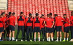 SOUTHAMPTON, ENGLAND - NOVEMBER 07: Mark Hughes talks tot he players during a Southampton FC training session at St Mary's Stadium on November 7, 2018 in Southampton, England. (Photo by James Bridle - Southampton FC/Southampton FC via Getty Images)