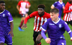 SOUTHAMPTON, ENGLAND - NOVEMBER 10: Alex Jankewitz (Middle) during the U18 Premier League match between Southampton FC and Stoke City FC pictured at Staplewood Complex on November 10, 2018 in Southampton, England. (Photo by James Bridle - Southampton FC/Southampton FC via Getty Images)