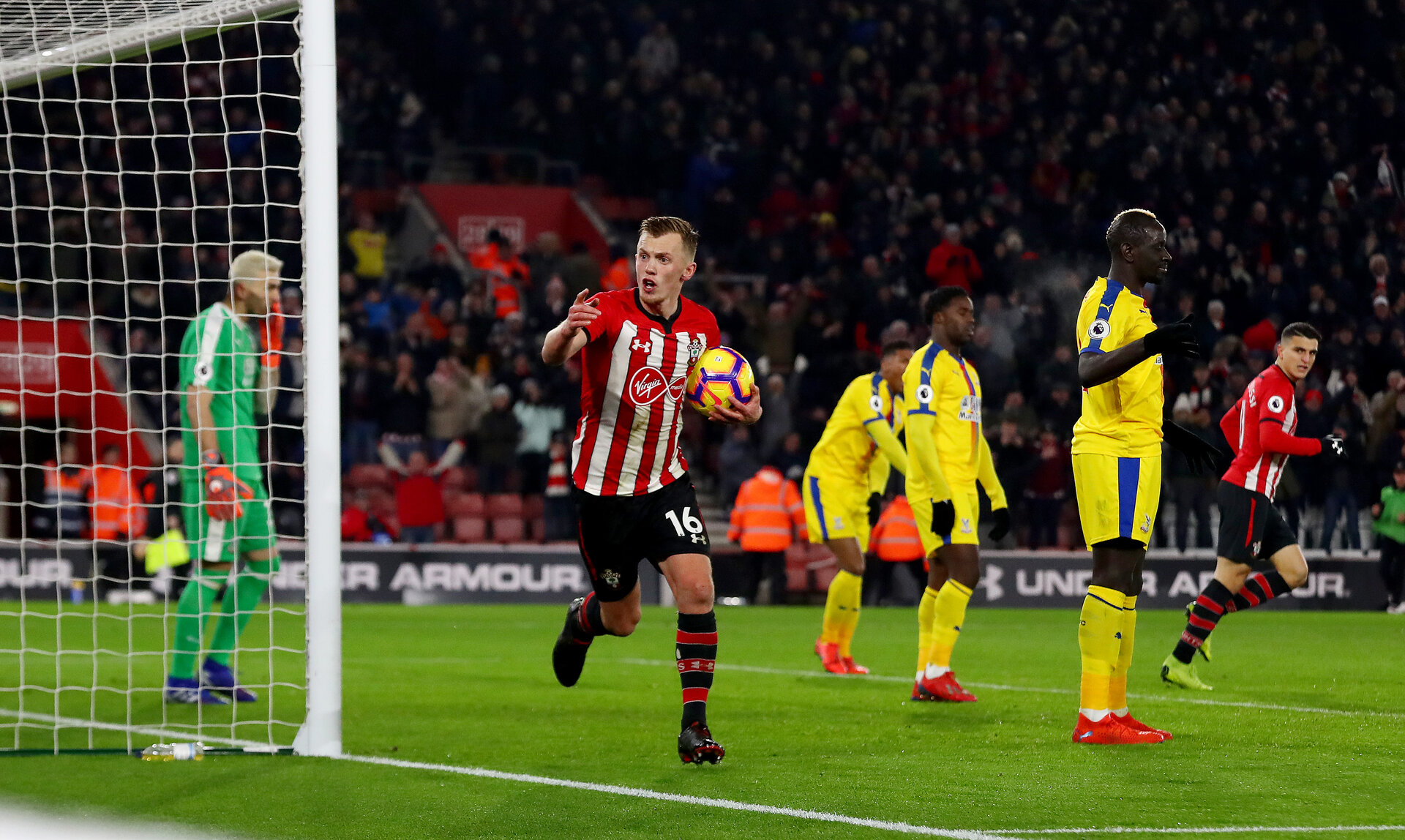 SOUTHAMPTON, ENGLAND - JANUARY 30: James Ward-Prowse of Southampton celebrates after equalising during the Premier League match between Southampton FC and Crystal Palace at St Mary's Stadium on January 30, 2019 in Southampton, United Kingdom. (Photo by Matt Watson/Southampton FC via Getty Images)