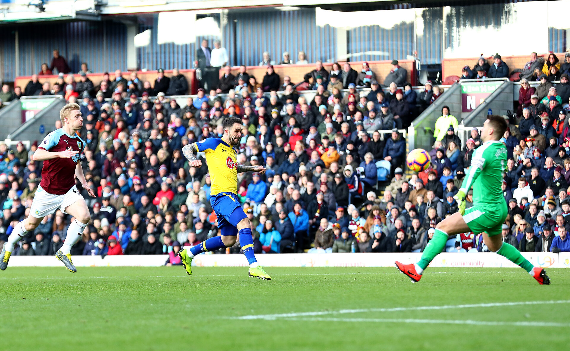 BURNLEY, ENGLAND - FEBRUARY 02: Danny Ings of Southampton is denied by Tom Heaton of Burnley during the Premier League match between Burnley FC and Southampton FC at Turf Moor on February 02, 2019 in Burnley, United Kingdom. (Photo by Matt Watson/Southampton FC via Getty Images)