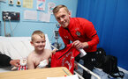 SOUTHAMPTON, ENGLAND - APRIL 17: James Ward-Prowse as Southampton FC staff and players visit Southampton General Hospital, on April 17, 2019 in Southampton, England. (Photo by Matt Watson/Southampton FC via Getty Images)