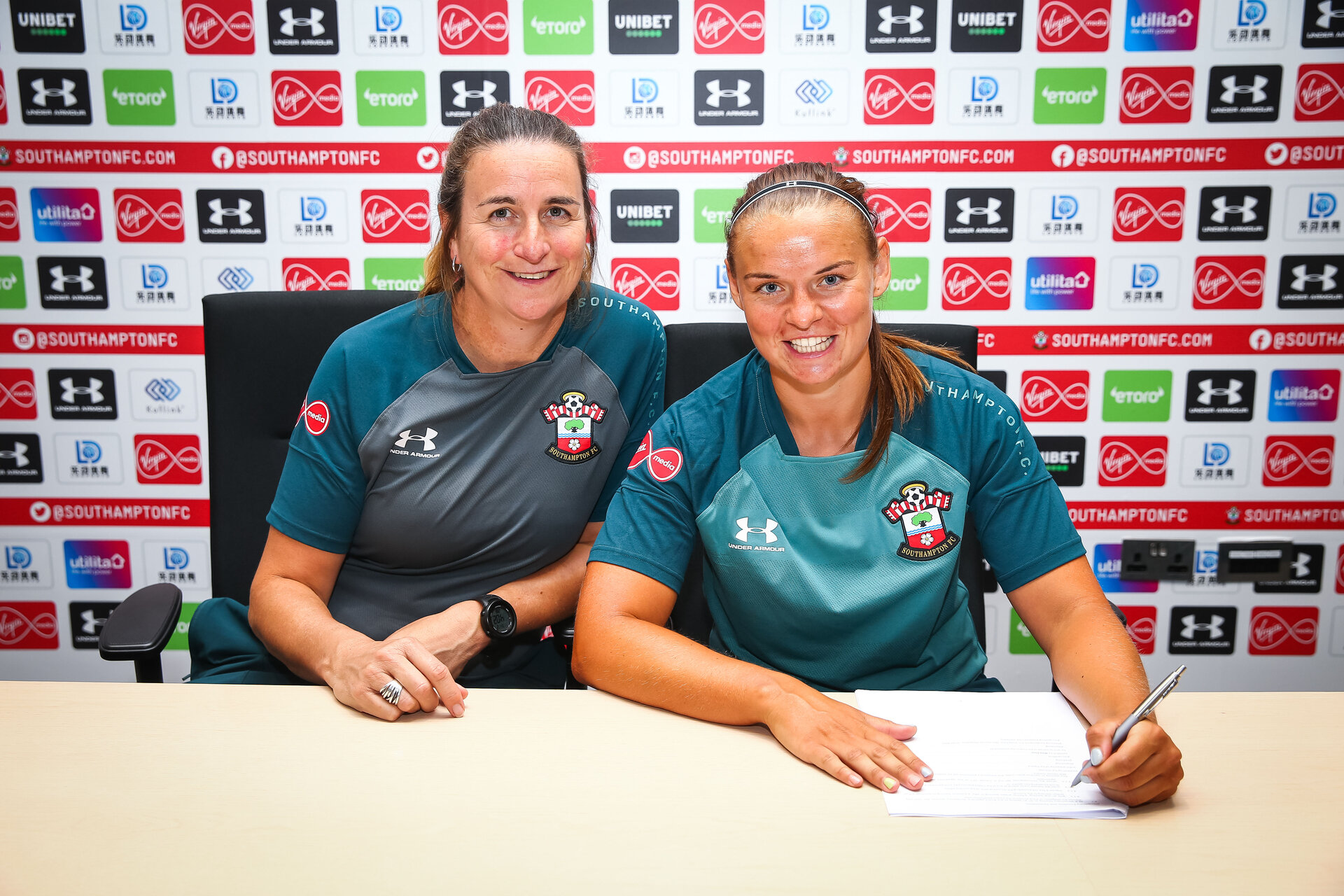 SOUTHAMPTON, ENGLAND - 2 JULY:  Shanon Sievwright (right) signs for Southampton FC pictured at Staplewood Training Ground on July 2, Southampton, England. (Photo by James Bridle - Southampton FC/Southampton FC via Getty Images)