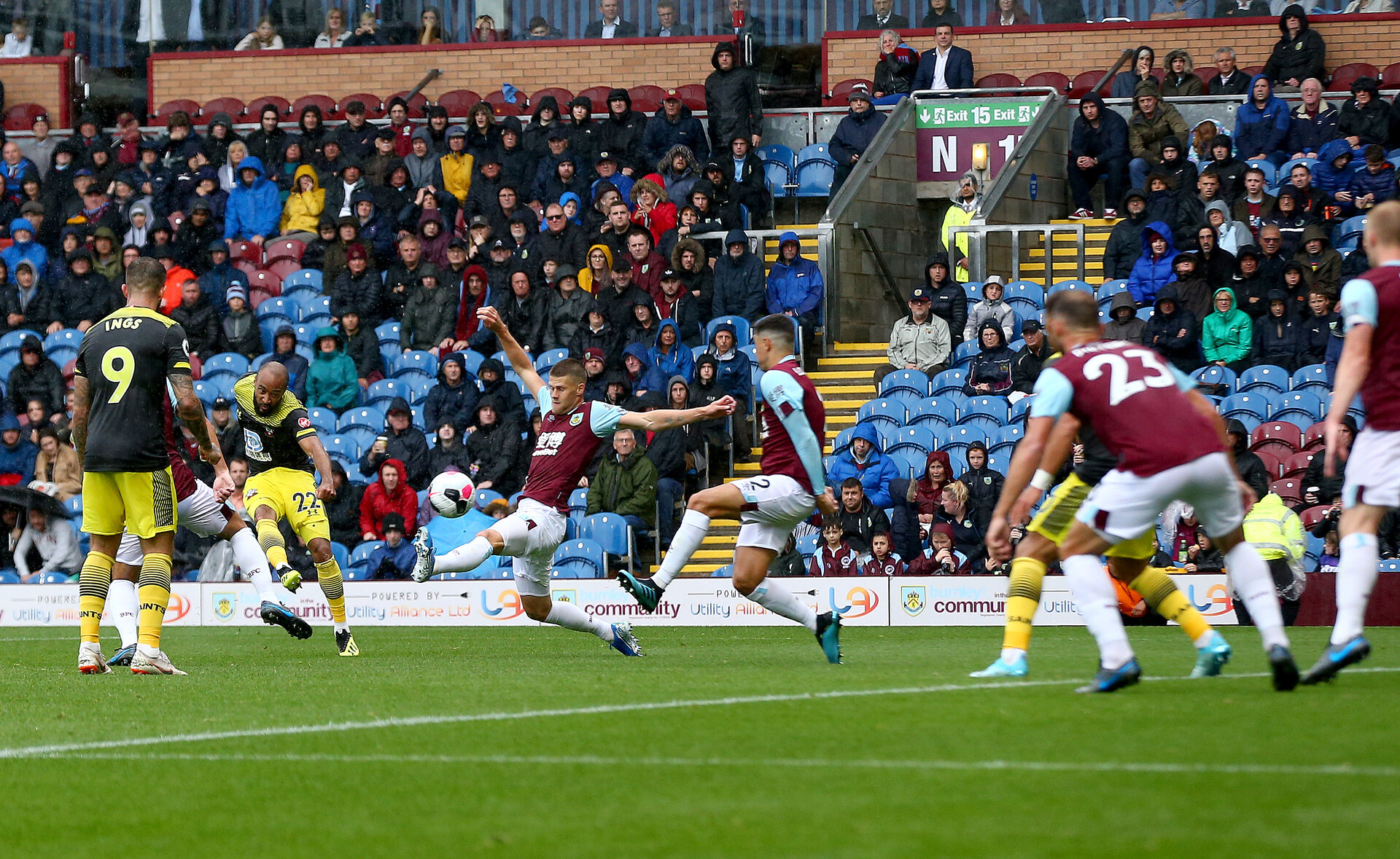 BURNLEY, ENGLAND - AUGUST 10: Nathan Redmond of Southampton shoots at goal during the Premier League match between Burnley FC and Southampton FC at Turf Moor on August 10, 2019 in Burnley, United Kingdom. (Photo by Matt Watson/Southampton FC via Getty Images)