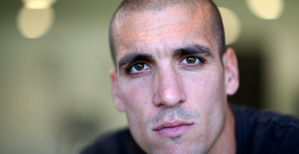 SOUTHAMPTON, ENGLAND - SEPTEMBER 19: Southampton FC's Oriol Romeu pictured at the Staplewood Campus for the club's match day magazine, on September 19, 2019 in Southampton, England. (Photo by Matt Watson/Southampton FC via Getty Images)