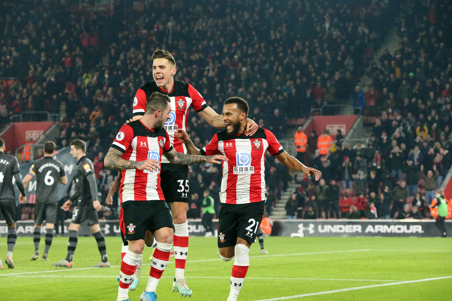 SOUTHAMPTON, ENGLAND - DECEMBER 4: Ryan Bertrand's goal celebration during the Premier League match between Southampton FC and with Norwich City FC at St Mary's Stadium on December 4, 2019 in Southampton, United Kingdom. (Photo by Chris Moorhouse/Southampton FC via Getty Images)