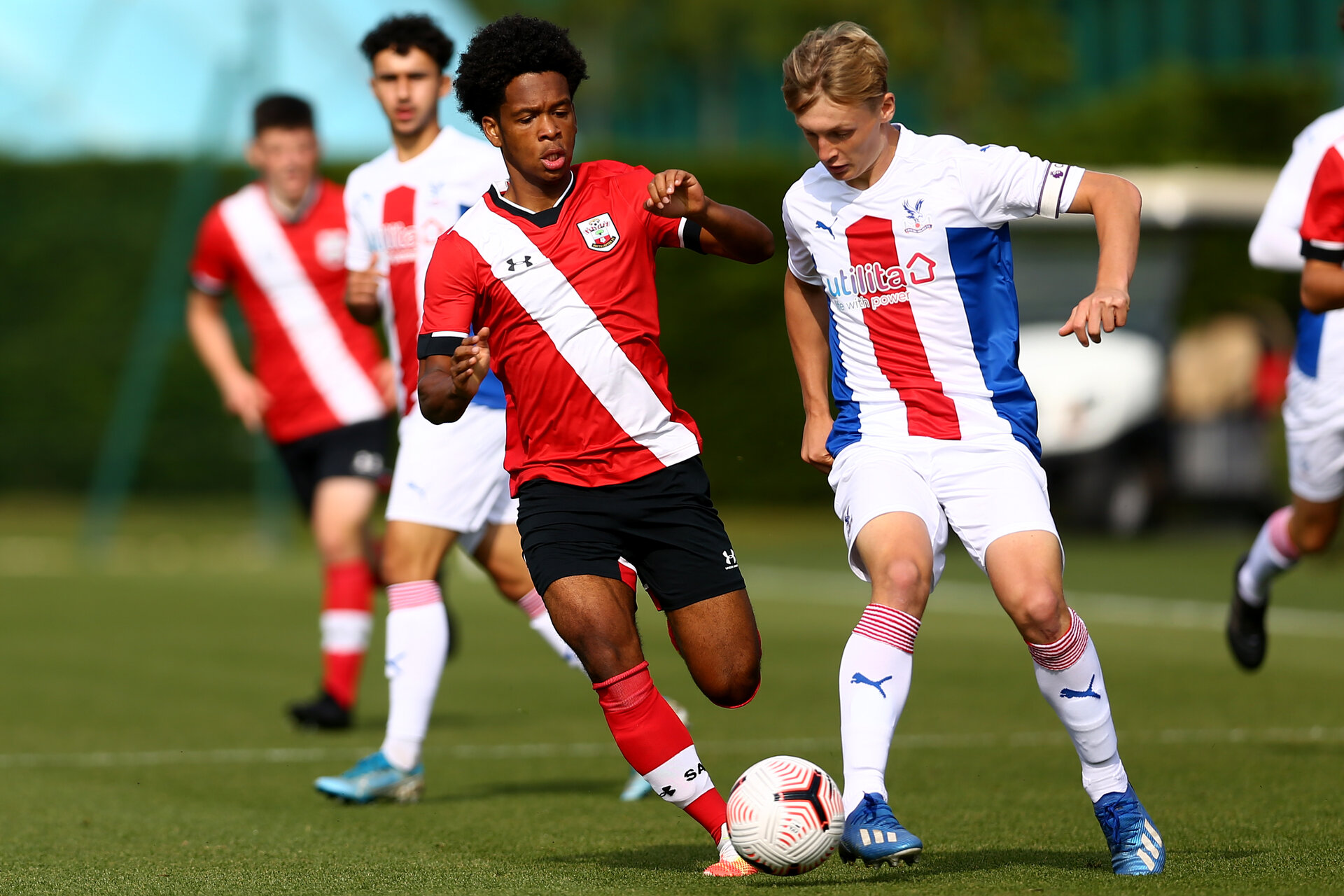 SOUTHAMPTON, ENGLAND - SEPTEMBER 19: Diamond Edwards (L) of Southampton during the Premier League U18 match between Southampton FC U18 and Crystal Palace FC at Staplewood Training Ground on September 19, 2020 in Southampton, England. (Photo by Isabelle Field/Southampton FC via Getty Images)