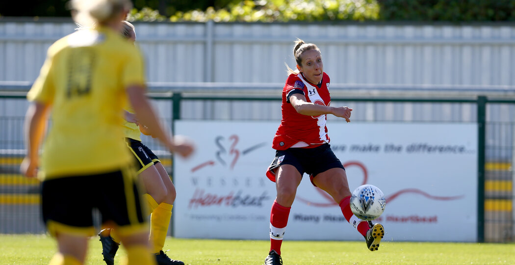 Southampton, ENGLAND - SEPTEMBER 27: Shelly Provan (R) of Southampton during the FAWNL match between Southampton Women and Buckland Athletic at Snows Stadium on September 27, 2020 in Southampton, United Kingdom (Photo by Isabelle Field/Southampton FC via Getty Images)