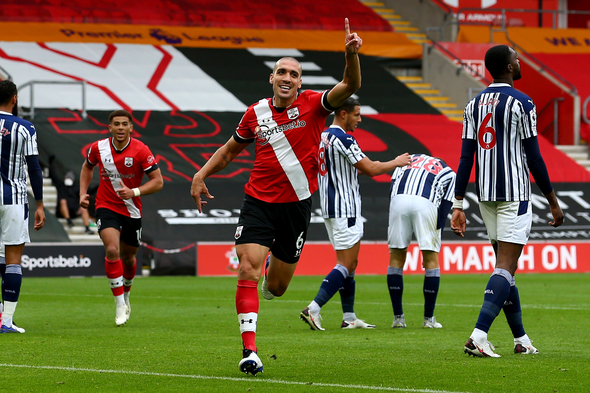 SOUTHAMPTON, ENGLAND - OCTOBER 04: Oriol Romeu goal celebration during the Premier League match between Southampton and West Bromwich Albion at St Mary's Stadium on October 4, 2020 in Southampton, United Kingdom. Sporting stadiums around the UK remain under strict restrictions due to the Coronavirus Pandemic as Government social distancing laws prohibit fans inside venues resulting in games being played behind closed doors. (Photo by Matt Watson/Southampton FC via Getty Images)