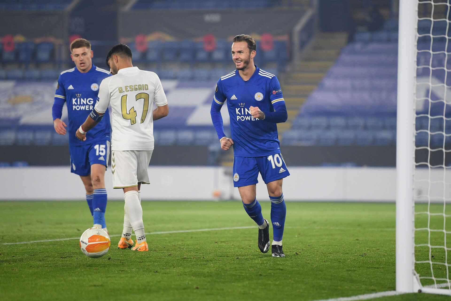 LEICESTER, ENGLAND - NOVEMBER 05: James Maddison of Leicester City  celebrates after he scores his team's fourth goal  during the UEFA Europa League Group G stage match between Leicester City and SC Braga at The King Power Stadium on November 05, 2020 in Leicester, England.  Sporting stadiums around the UK remain under strict restrictions due to the Coronavirus Pandemic as Government social distancing laws prohibit fans inside venues resulting in games being played behind closed doors. (Photo by Michael Regan/Getty Images)