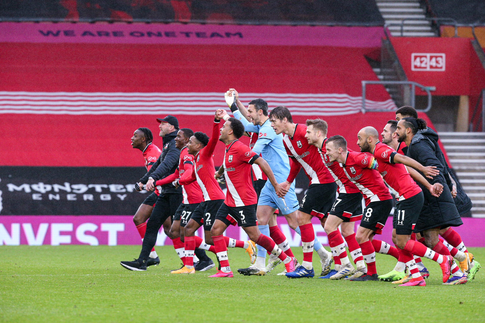 SOUTHAMPTON, ENGLAND - DECEMBER 13: Southampton at full-time during the Premier League match between Southampton and Sheffield United at St Mary's Stadium on December 13, 2020 in Southampton, United Kingdom. A limited number of spectators (2000) are welcomed back to stadiums to watch elite football across England. This was following easing of restrictions on spectators in tiers one and two areas only. (Photo by Chris Moorhouse/Southampton FC via Getty Images)