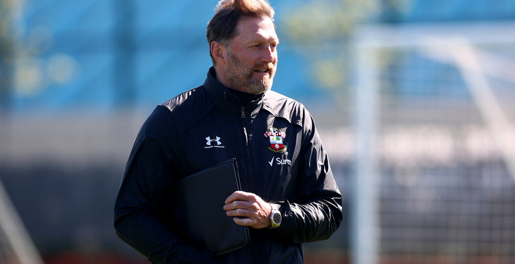 SOUTHAMPTON, ENGLAND - APRIL 02: Southampton manager Ralph Hasenhüttl during a Southampton FC training session at the Staplewood Campus on April 02, 2021 in Southampton, England. (Photo by Matt Watson/Southampton FC via Getty Images)