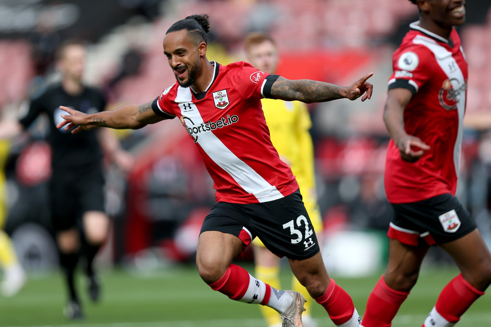 SOUTHAMPTON, ENGLAND - MAY 15: Theo Walcott of Southampton goal celebration  during the Premier League match between Southampton and Fulham at St Mary's Stadium on May 15, 2021 in Southampton, England. Sporting stadiums around the UK remain under strict restrictions due to the Coronavirus Pandemic as Government social distancing laws prohibit fans inside venues resulting in games being played behind closed doors.  (Photo by Matt Watson/Southampton FC via Getty Images)